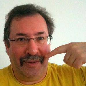 Scott Chase og resten af Amnesty Aalborg Amigos lader overskægget sætte fokus på mænds sundhed i Movember.
