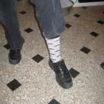 Stiligt mo-fodtøj til den modebevidste MoBro. Med Scott som fodmodel.